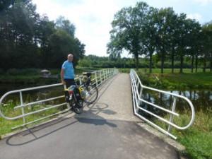 Jack op de brug van Markdal te Ulvenhout